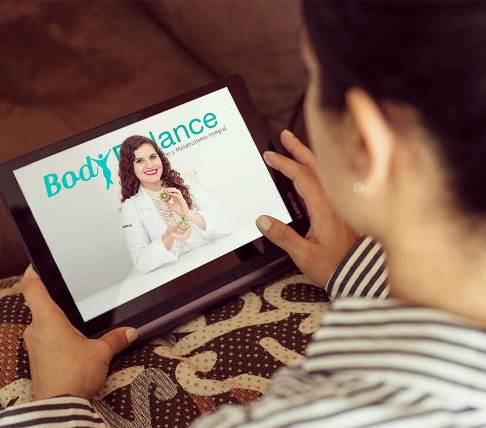 Beneficios de tener una Nutrióloga en Línea